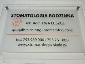 tablica_pleksi__8mm_uchwyt_dystansowy_metalowy_nierdzewny