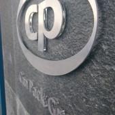 Logotyp przestrzenny (pleksi i aluminium)
