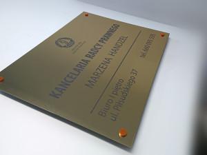 szyld-kancelarii-radcy-adwokackiej-na-dystansach