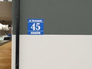 tablica-numer-bloku-klatki-schodowej-mieszkania